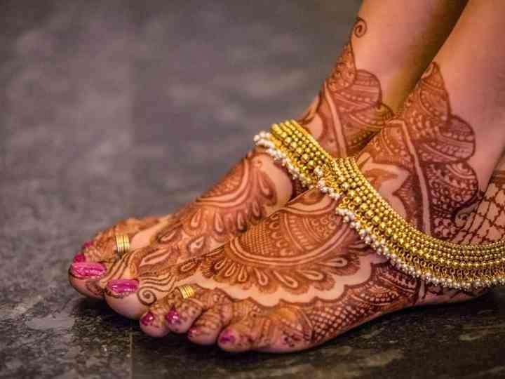 Bridal gold anklets