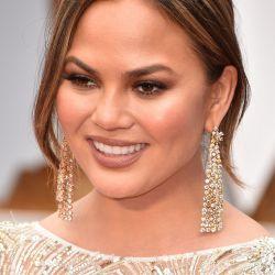 Celebrity in dangler earrings