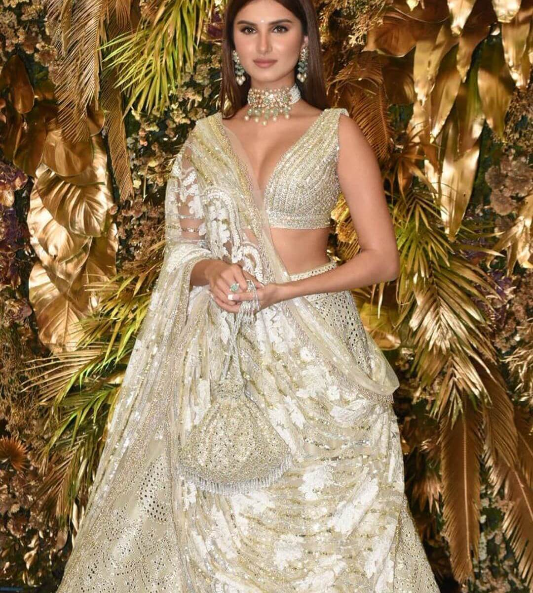 Tara Sutaria in Part wear jewellery